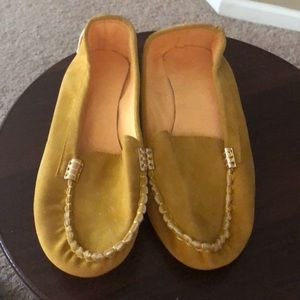 Shoes - Moccasin flats